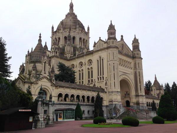 Basillique de St. Thérèse à Lisieux
